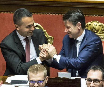 Il ministro degli Esteri Luigi Di Maio, 35 anni, e l'ex premier Giuseppe Conte, 55 anni