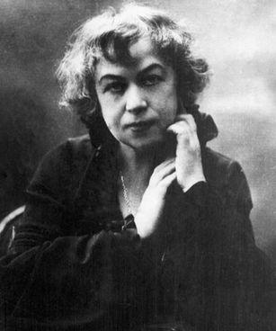 Aleksandra Kollontaj (1872-1952), ministra sovietica all'assistenza sociale nel 1917