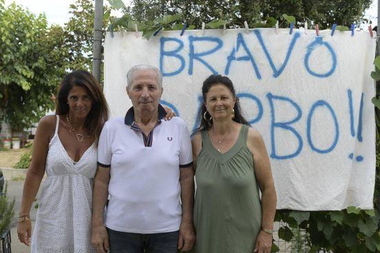 Da sinistra, Katia, Antonio Salvatore e la moglie Pina. La coppia ha anche un altro figlio, Massimo (foto Alcide)