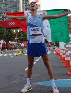 Massimo Stano, 29 anni, ieri ha dominato la 20 km di marcia a Sapporo