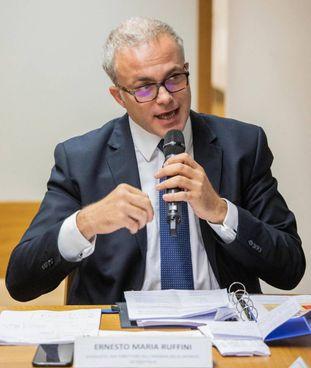 Ernesto Maria Ruffini, 52 anni, è direttore dell'Agenzia delle Entrate dal gennaio 2020
