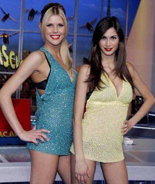 A sinistra l'ex velina di 'Striscia la Notizia' Thais Souza Wiggers, 35 anni, con Melissa Satta, 35