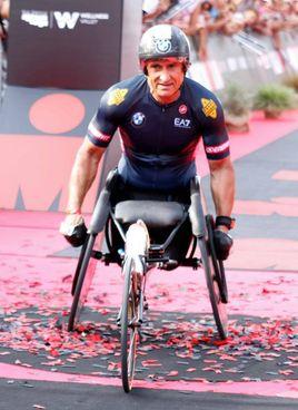 Alex Zanardi, 54 anni, ha vinto in totale 4 ori e due argenti alle Paralimpiadi del 2012 e del 2016