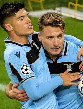 Joaquin Correa, 27 anni, 92 presenze e 22 gol alla Lazio: qui festeggia una rete assieme a Immobile