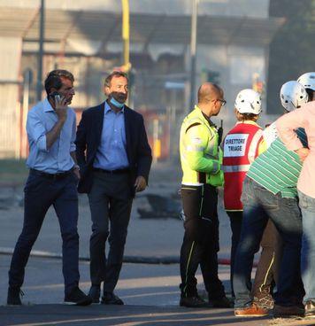 Il sindaco Giuseppe Sala, 63 anni, è corso subito in via Antonini dopo l'allarme