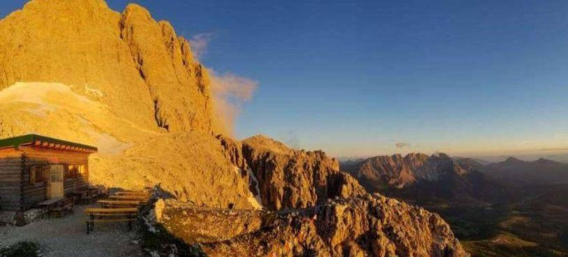 Scontro in Alto Adige sulla. concessione per l'ampliamento del rifugio Passo Santner (2734 m), nel parco. Sciliar-Catinaccio