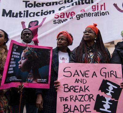 Manifestazione internazionale contro l'infibulazione che è assai diffusa in Africa: Somalia. ed Egitto in primis