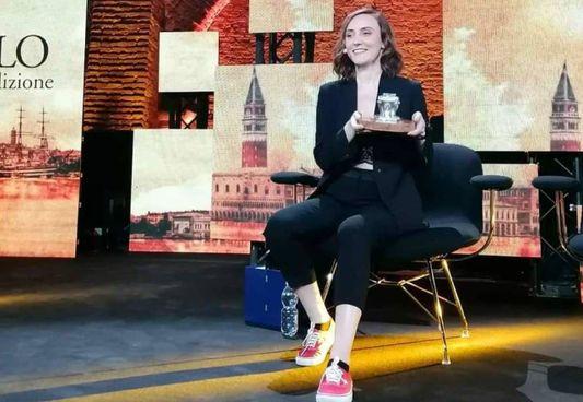 La vincitrice del premio Campiello, Giulia Caminito (33 anni)
