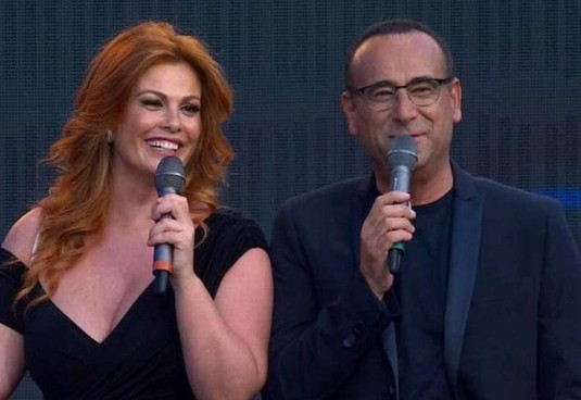 Vanessa Incontrada, 42 anni, e Carlo Conti, 60: per il decimo anno alla conduzione