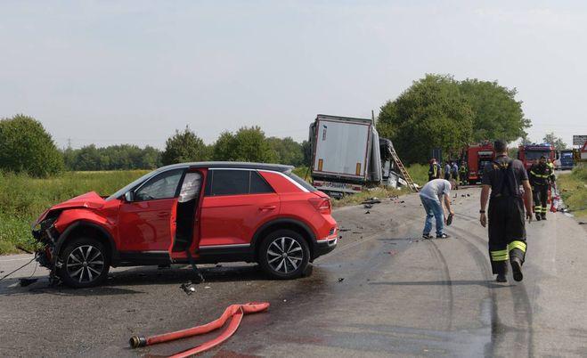 Accidente en Cambiago, camionero muerto carbonizado