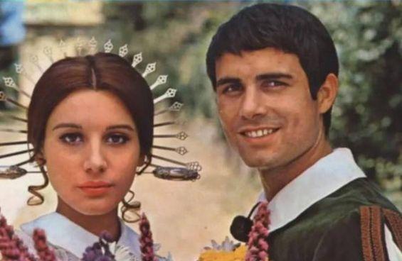 Nino Castelnuovo con Paola Pitagora nella versione tv de I promessi sposi (1967)