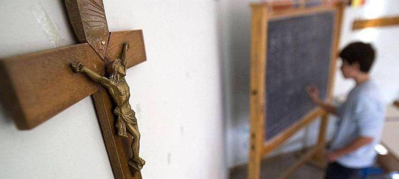 Secondo la Corte di Cassazione, l'affissione del crocifisso in un'aula scolastica non è un atto di discriminazione