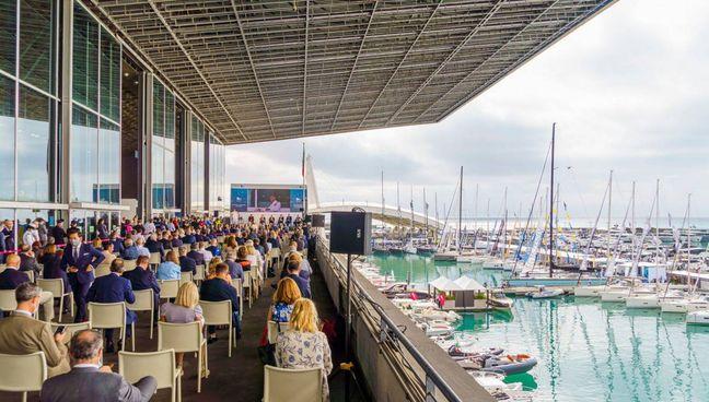 Un momento della cerimonia di inaugurazione del 61° Salone Nautico Per la Marina è intervenuto l'ammiraglio Giuseppe Berutti Bergotto