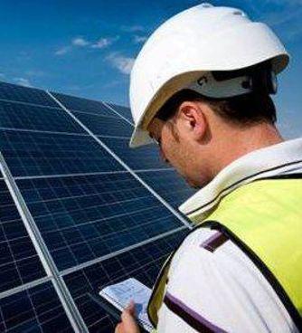 Gli impianti fotovoltaici sono uno degli elementi della transizione energetica