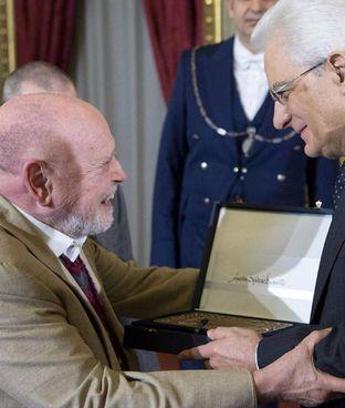 Sylvano Bussotti premiato dal presidente Mattarella nel 2016