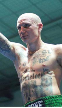 Michele Broili, 28enne triestino, sul ring con tatuaggi nazisti