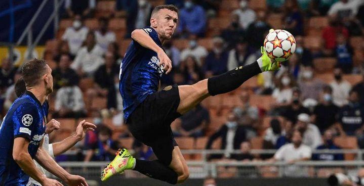 Ivan Perisic sarà al suo posto sulla parte sinistra del centrocampo dell'Inter anche stasera sul campo della Fiorentina