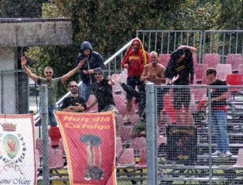 I tifosi del Cattolica in tribuna a Cartigliano