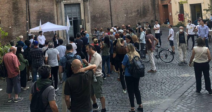 Trastevere, cuore popolare di Roma. Piazze vuote per la sindaca Virginia Raggi