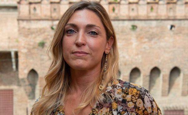 """Francesca Nava, giornalista d'inchiesta, autrice di """"Il focolaio. Da Bergamo al contagio nazionale"""""""