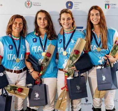Le azzurre del polo sul podio europeo (Foto Bergamaschi)