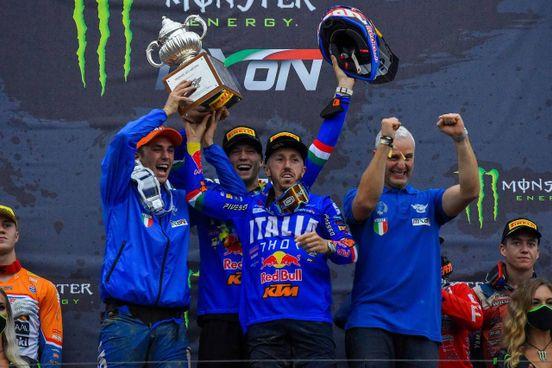 La gioia dell'Italia che ha trionfato ieri nel Gp delle Nazioni di Motocross