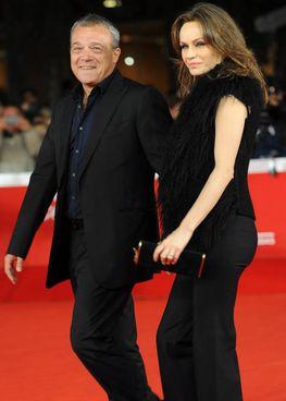 Claudio Amendola, 58 anni e Francesca Neri, 57 anni sulla passerella del «Roma film festival» del 2011