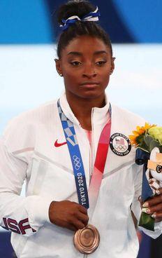 La ginnasta Simone Biles, 24 anni