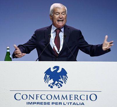 Carlo Sangalli, 84 anni, è presidente di Confcommercio Imprese per l'Italia