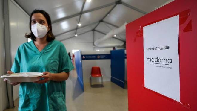 Badanti dell'Est vaccinate con Sputnik ma senza Green pass: scoppia  il caso