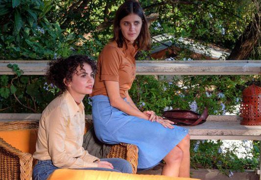 Benedetta Porcaroli e Federica Torchetti nel film interpretano Donatella Colasanti e Rosaria Lopez