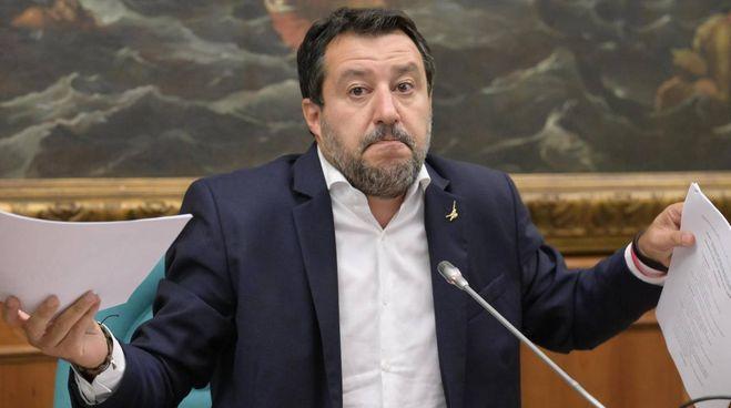 Matteo Salvini, 48 anni, critica la delega fiscale durante la conferenza stampata convocata martedì scorso a Montecitorio