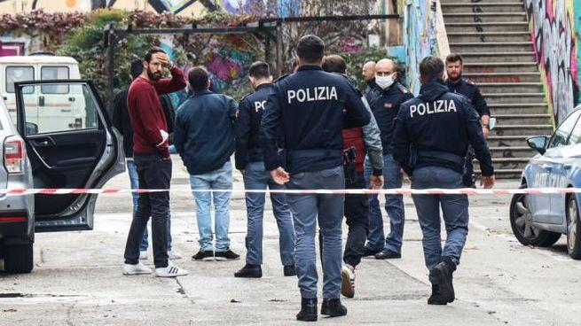 Bologna, invita i genitori per la laurea e poi si uccide