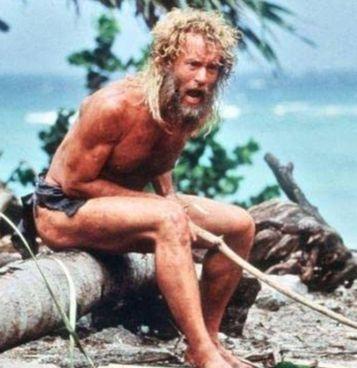 Tom Hanks, 65 anni, in 'Cast Away' che racconta la storia di un naufragio