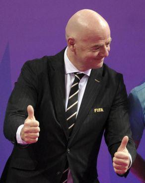 Gianni Infantino, 51 anni, è presidente della Fifa dal febbraio 2016: il massimo organismo del calcio vuole anche fare disputare i Mondiali ogni due anni