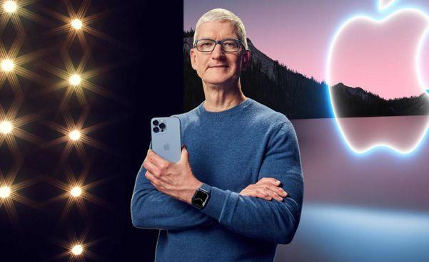 Tim Cook, 60 anni, è amministratore delegato di Apple dal 24 agosto 2011