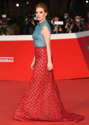 Festa Cinema Roma, Jessica Chastain on the red carpet: my preacher beyond the scandal