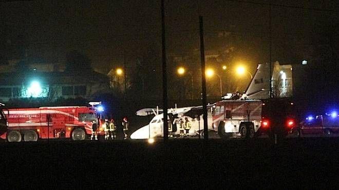 Atterraggio d'emergenza all'aeroporto di Falconara (foto Antic)