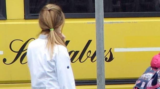 Lo scuolabus si è rotto, i bambini delle scuole di via Montello sono tornati a casa a piedi