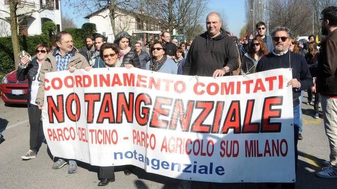 Il corteo contro la superstrada Boffalora-Malpensa (StudioSally)