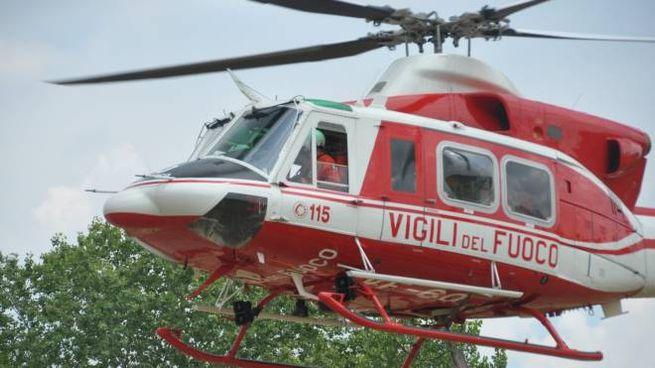 Un elicottero dei vigili del fuoco (Foto di repertorio Fantini)