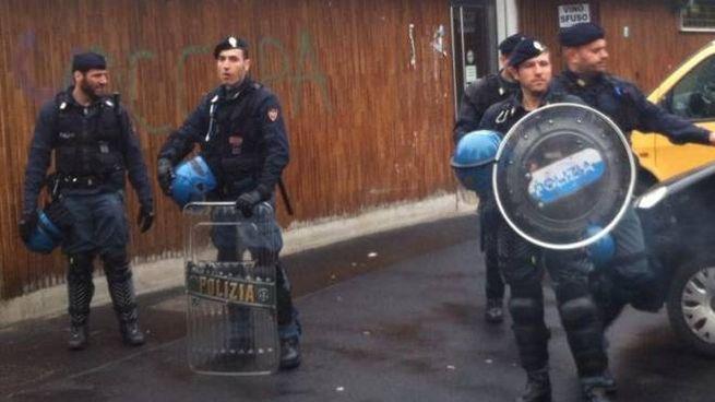 Controlli Digos a Milano (foto di repertorio)