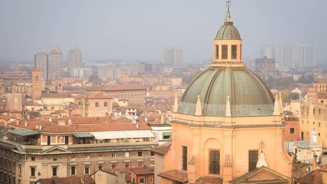 Bologna, guarda il panorama dalla terrazza di San Petronio ...