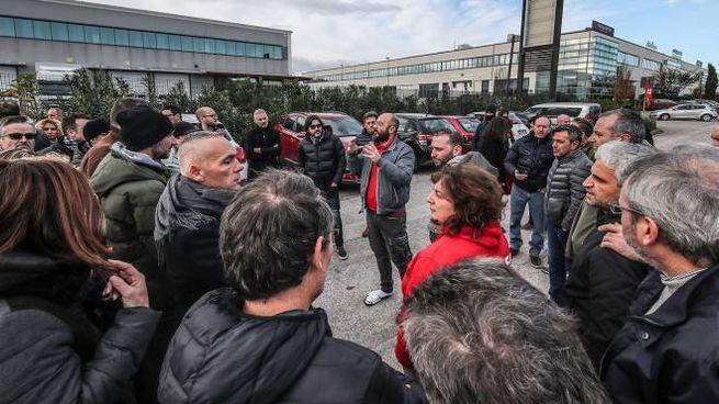 """Berloni Pesaro, ora l'azienda è chiusa. Gli operai: """"Ci ..."""