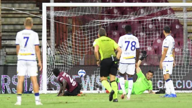 Salernitana-Verona 2-2, gli amaranto conquistano il primo ...