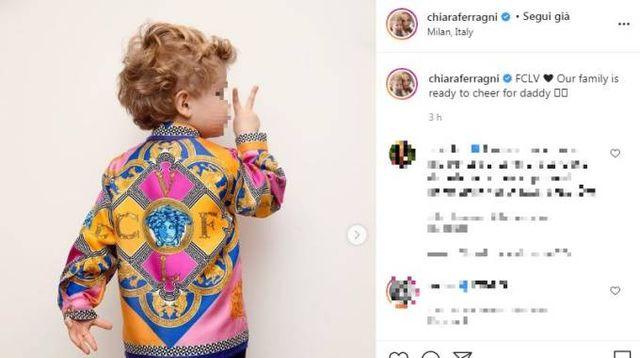 Leone con la stessa camicia di suo papà (Foto Instagram)