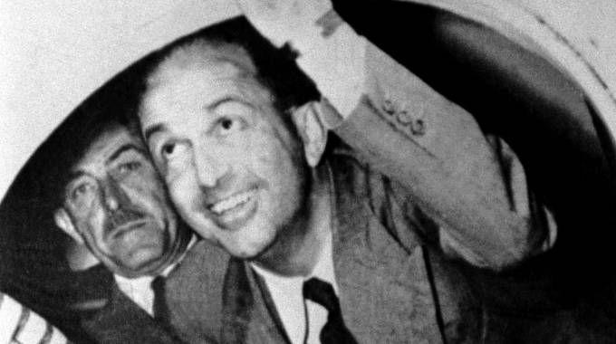 Re Umberto II lascia l'Italia dopo il referendum