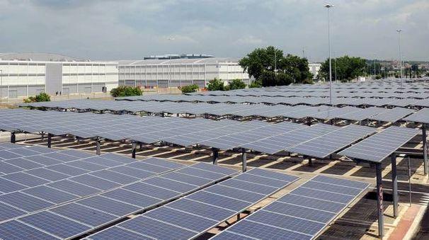 Fotovoltaico, pannelli solari (Imagoeconomica)