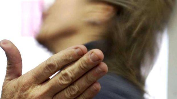Violenza: donna picchiata (Foto di repertorio Ansa)
