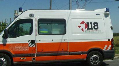 Un'ambulanza del 118 (Foto di repertorio Scardovi)